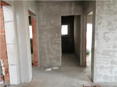 Apartament de vanzare 3 camere , semifinisat cu gradina!