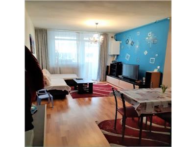 Apartament 3 camere cu balcon zona Iris !!!