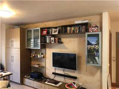 Oportunitate!!! Apartament de vanzare 3 camere Sesul de sus+pod de 25 mp!