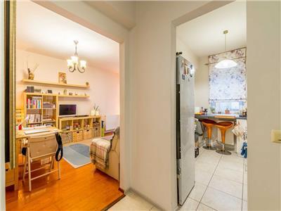 Apartament 2 camere, DECOMANDAT, parcare, zona Porii!