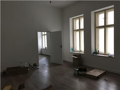 Apartament doua camere Ultracentral  strada Eroilor pentru Birou