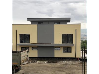 Spre vanzare duplex cu terasa