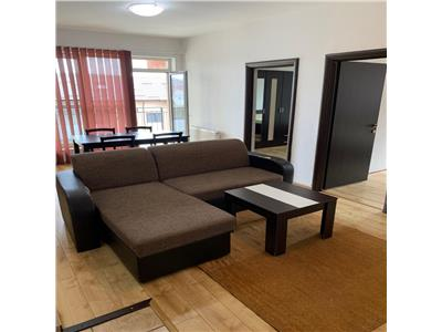 Apartament 3 camere, loc de parcare, zona Teilor