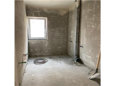Apartament 2 camere, semifinisat, gradina si loc de parcare, zona Catanelor