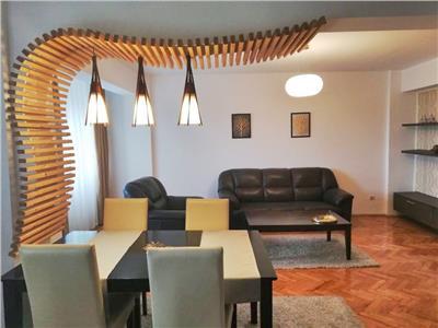 Inchiriere Apartament 4 camere Piata Cipariu !!!