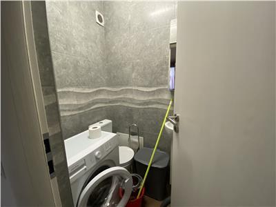 Apartament trei camere bloc nou  zona hotel Onix