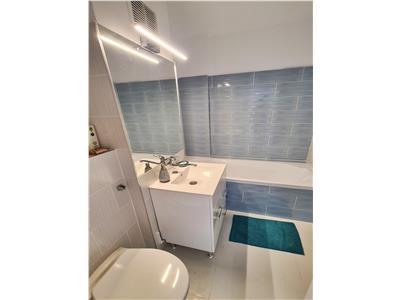 Apartament 2 camere renovat 58mp,balcon, Piata Cipariu, disp 01 August