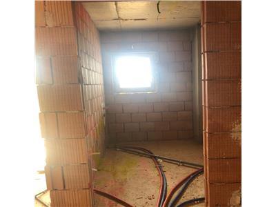 Apartamente semifinisate la vanzare int-un bloc nou cu lift!