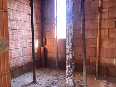 Duplex de vanzare cu 4 camere intr-o zona de case in Floresti!