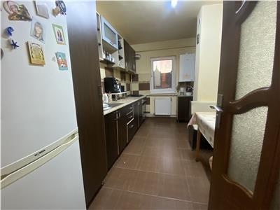 Apartament trei camere zona Mogosoaia