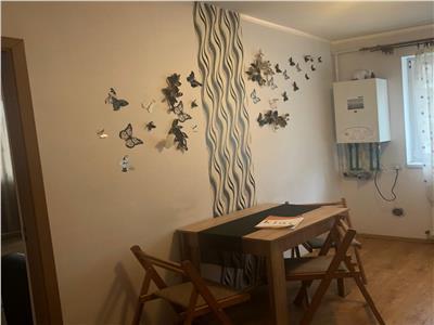 Apartament de vanzare 3 camere zona Cetatii!