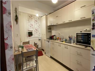 Apartament 3 camere, mobilat si utilat, loc de parcare, zona  Sub Cetate