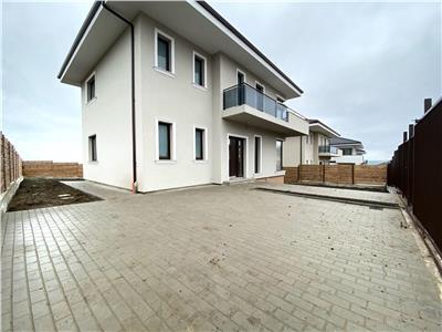 Casa de vanzare cu CF in zona de case noi Dezmir