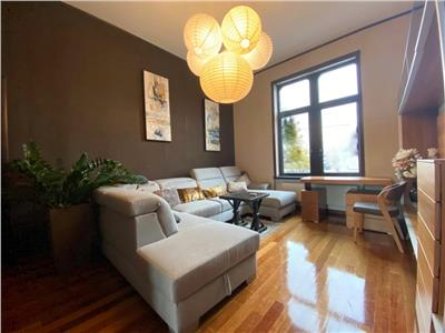 Apartament ultracentral cu 3 camere, pretabil protocol