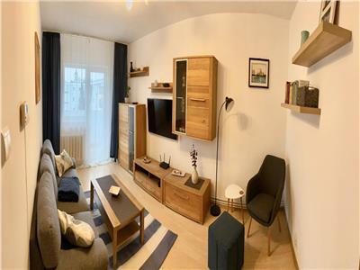 Apartament trei camere zona Ion Mester