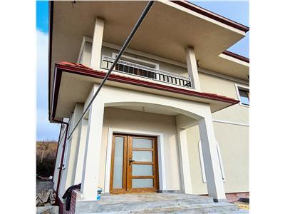 Casa de vanzare, cu panorama deosebita si drum cu acces privat