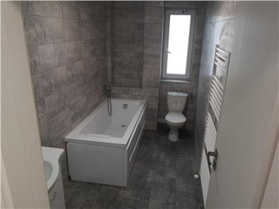 Apartament 3 camere semidecomandat