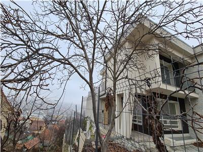 Casa de vanzare, semifinisata, panorama de exceptie