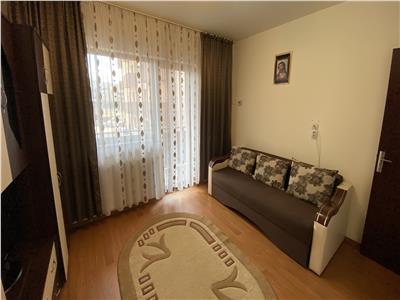 Apartament 2 camere decomandate, etaj intermediar, zona Stejarului