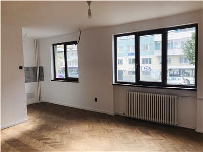 Apartament 2 camere semidecomandat, zona centrala!