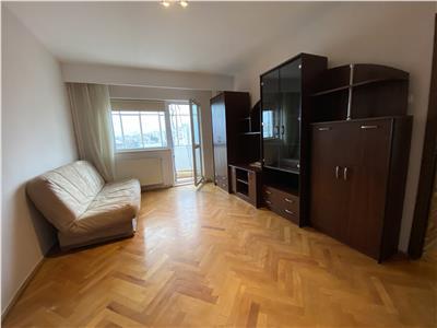 Apartament trei camere zona Aurel Vlaicu