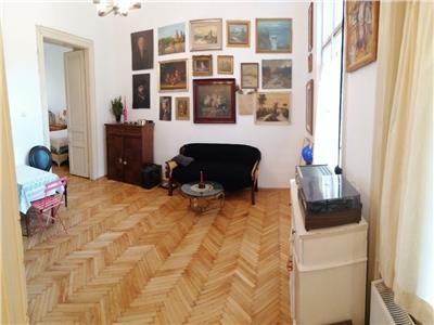 Apartament 2 camere  in cladire monument istoric, Centru!