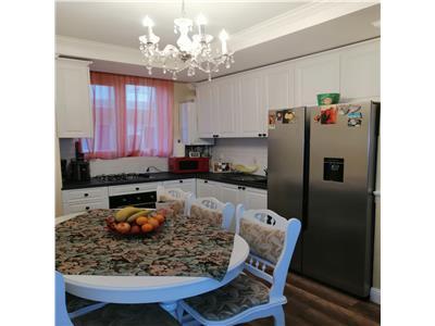 Apartament cu 3 camere, complet mobilat si utilat, zona Terra