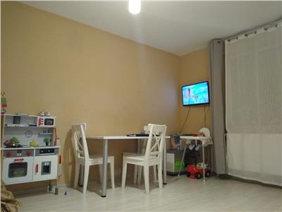 Apartament 3 camere, parcare, bloc nou, la 5 minute de VIVO!