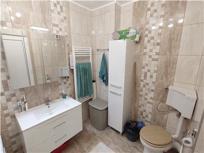 Apartament 3 camere decomandate parcare lift zona Vivo !