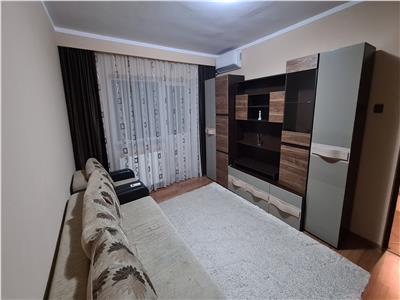 Apartament renovat 2 camere, 2 balcoane, zona Intre Lacuri