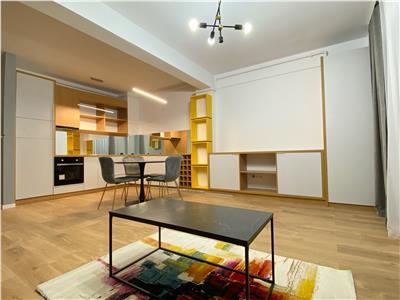 Apartament mobilat cu priveliste minunata. Fara comision!