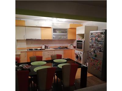 Apartament 3 camere semidecomandat, garaj, boxa, zona Stejarului