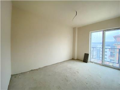 Apartament trei camere bloc nou  la 10 minute de gara.