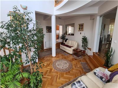 Inchiriere casa preferabil pt birouri 450mp+1000 mp de curte zona Andrei Muresanu
