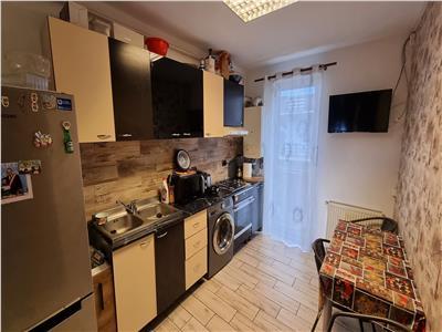 Apartament 2 camere decomandate parcare zona Eroilor!