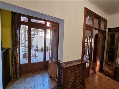 Casa individuala, 250mp, zona Centrala