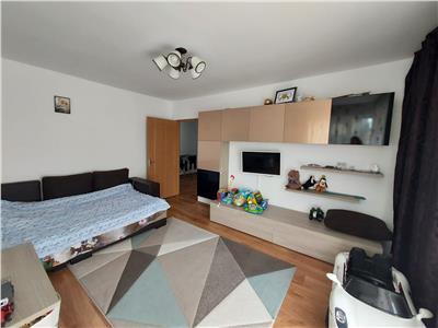 Apartament 2 camere, DECOMANDAT, zona Florilor!
