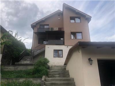 Casa individuala de vanzare, 216 mp utili construit pe un teren de 1100 mp!