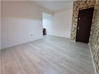 Apartament 2 camere decomandate finisat zona Eroilor!
