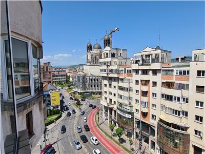 Apartament 3 camere 75mp,3 balcoane,Piata Cipariu !!!