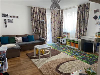 Apartament 2 camere decomandate, parcare, zona Florilor