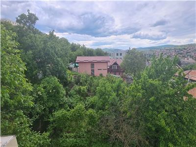 Apartament 6 camere,120mp,in vila cu terasa si priveliste minunata, Gruia, Stadion CFR