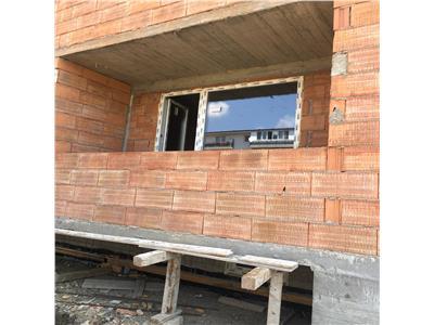 Apartament de vanzare 3 camere semifinisat pe Cetatii!