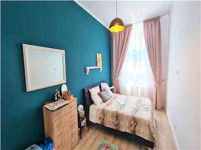 Apartament 3 camere 80mp, zona Centrala, la 2 minute de Parcul Central