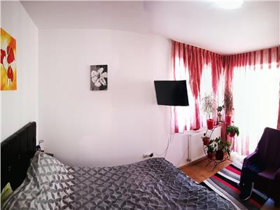 Apartament 2 camere, DECOMANDAT,  parcari, zona Florilor!