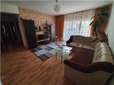 Apartament 2 camere, decomandat, zona Eroilor!