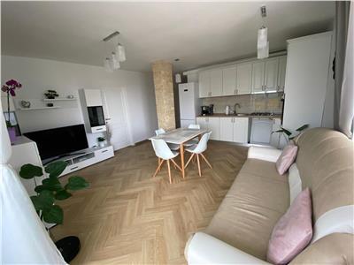 Apartament 4 camere LUX lift parcare zona VIVO!