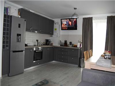 Apartament de vanzare 3 camere zona Razoare!