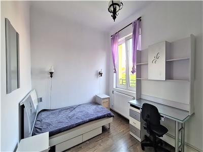 Apartament 3 dormitoare, zona ULTRACENTRALA, langa Casa de cultura a studentilor