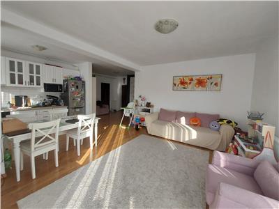 Apartament 3 camere, 2 bai, parcare, zona linistita!